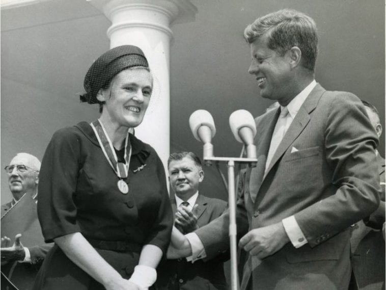 Dr. Frances Kelsey pictured with President Kennedy